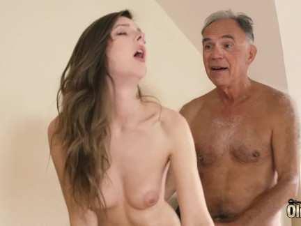 Lesbický sex. Sexy mladá dívka starý muž Molly získává ji udržel - porn tube, xxx porn video Sexy.