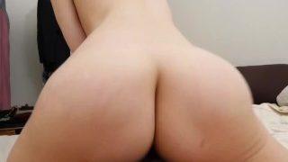 Slečno porno, posadte se na můj penis